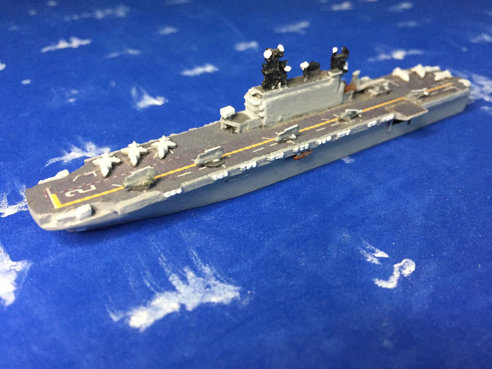 Superior Tarawa-class LHA (Painted by gak8346)